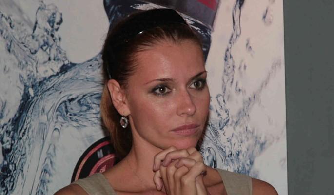 """""""Приехала навестить мою греческую семью"""": сидящая на могиле Толкалина сделала признание"""