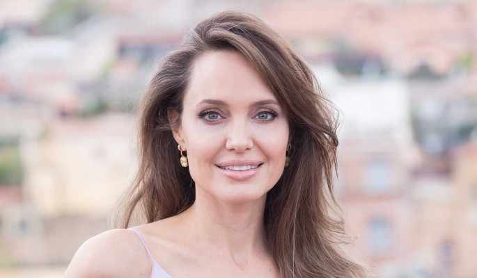 Джоли засняли на свидании с бывшим мужем: Певец в прошлом?