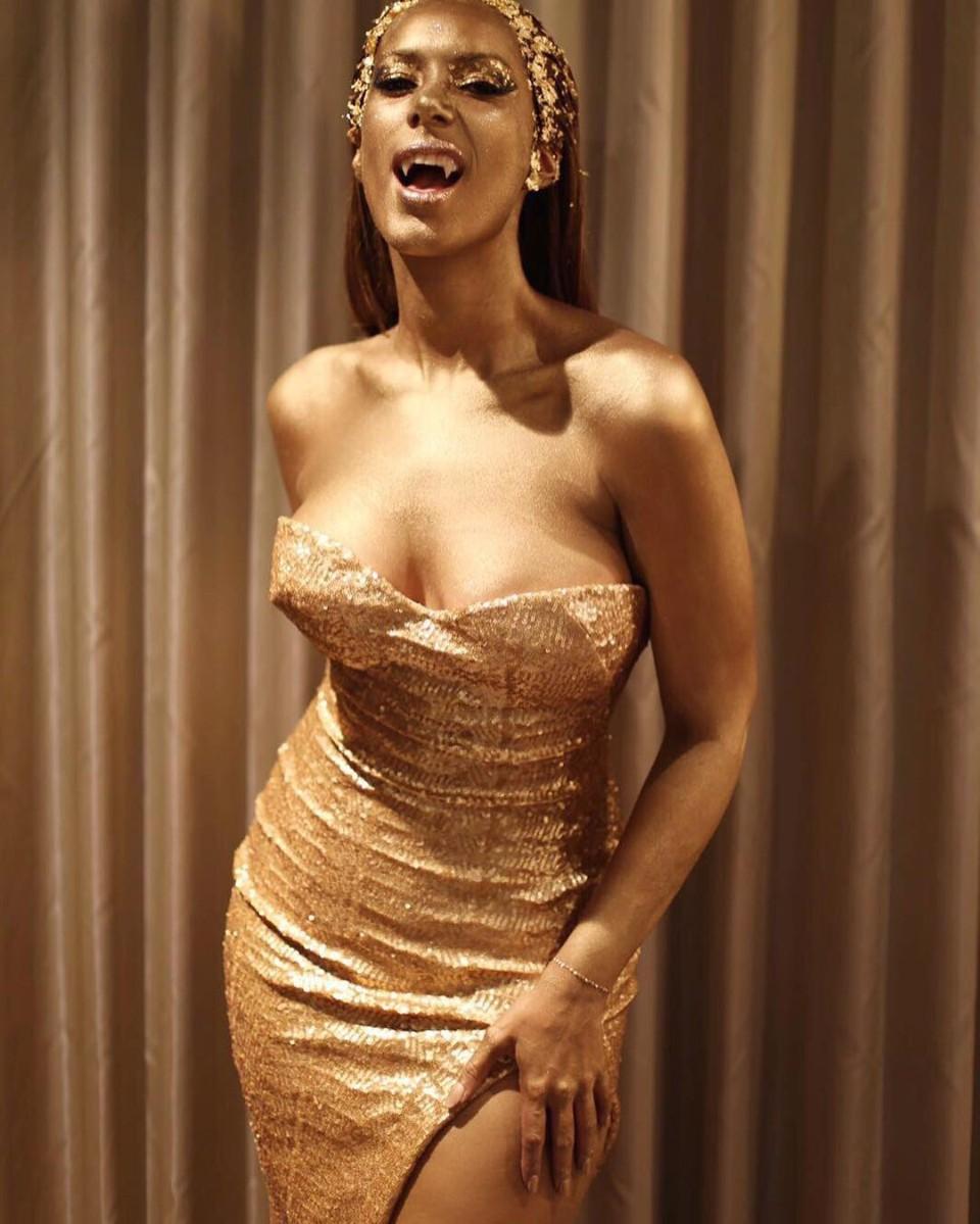 Leona lewis hot naked, handjob from jailbait gif