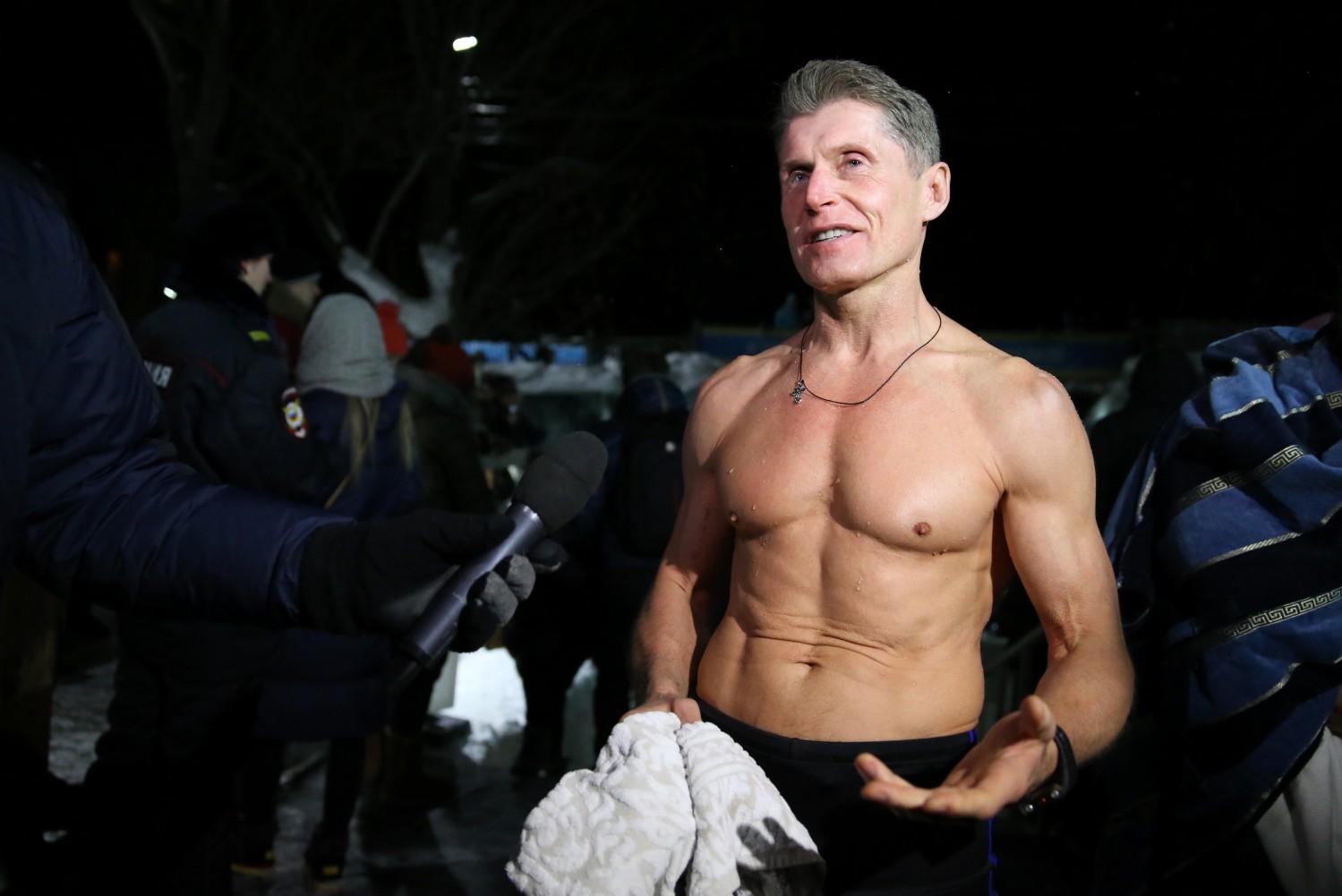 Фото массового купания голые русские актеры — 8