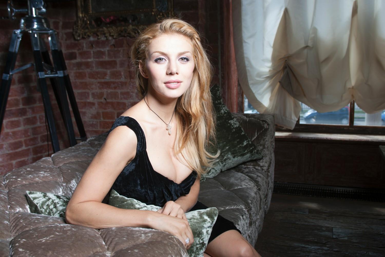 Анна Седокова сходит с ума от воздержания: певица мечтает о страстном любовнике