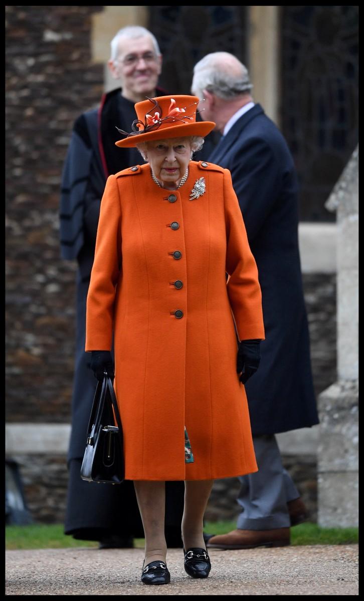 Порнуха про королеву елизавету вторую