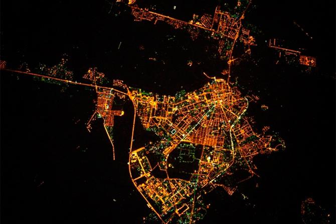 смотреть фото город оренбург вид из космоса это колесница, то